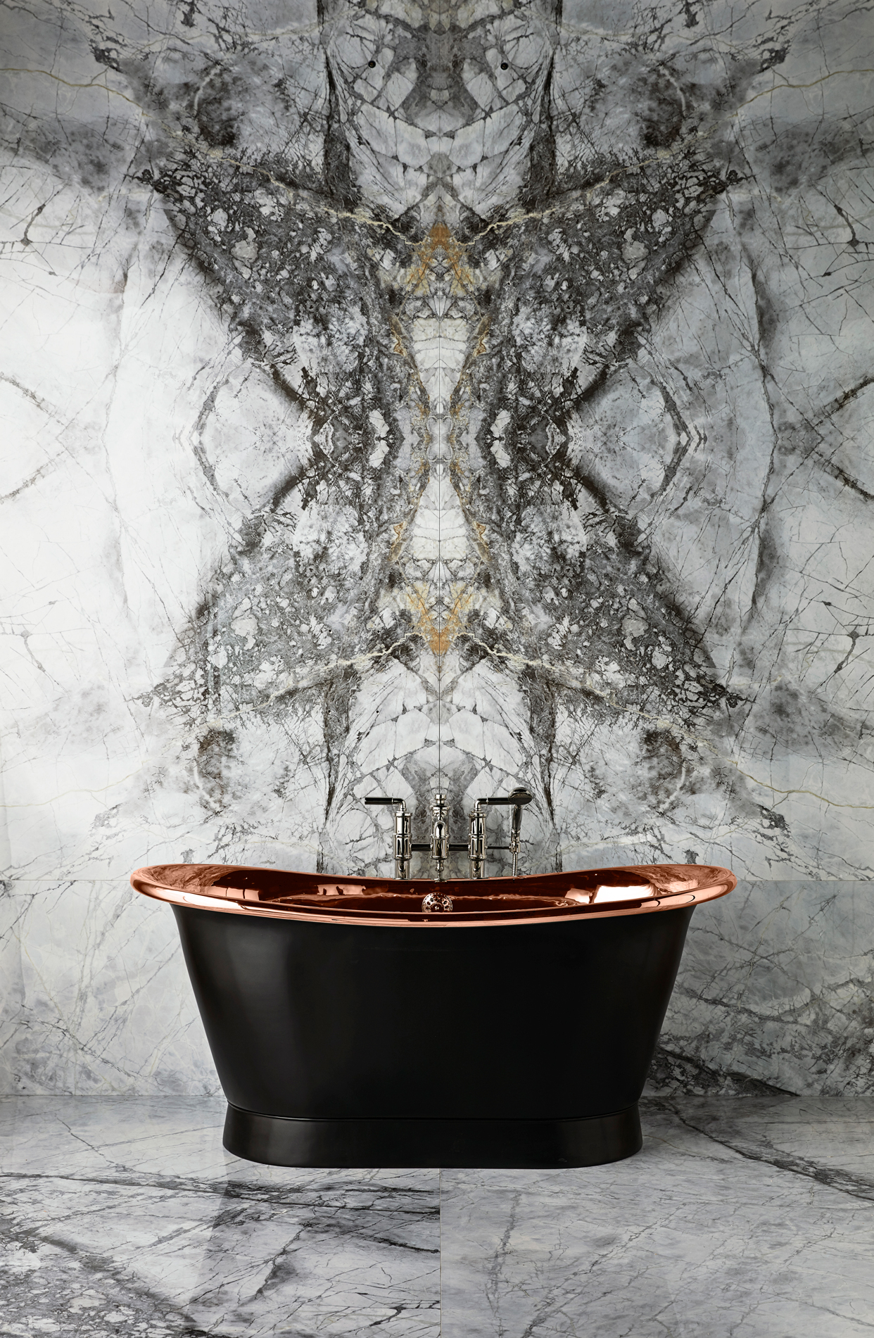 The Baby Tyne Copper Bath Tub With Painted Exterior